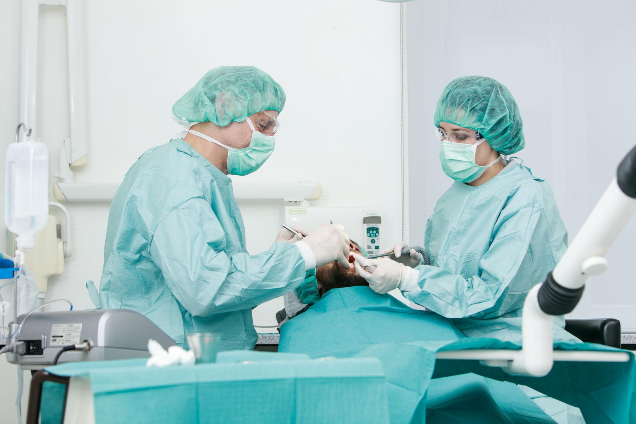 Operation Implantat